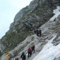 Planinari na usponu od Sedla Ka jez.Zeleni Vir